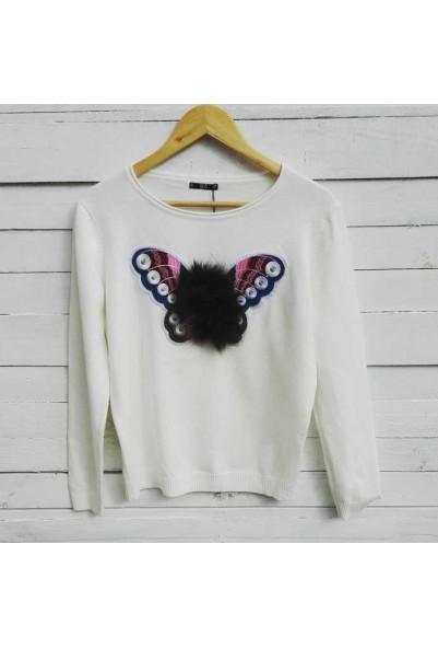 Блуза с пеперуда в бял цвят