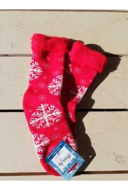 Коледни пухкави чорапи от пан със снежинки в червен цвят
